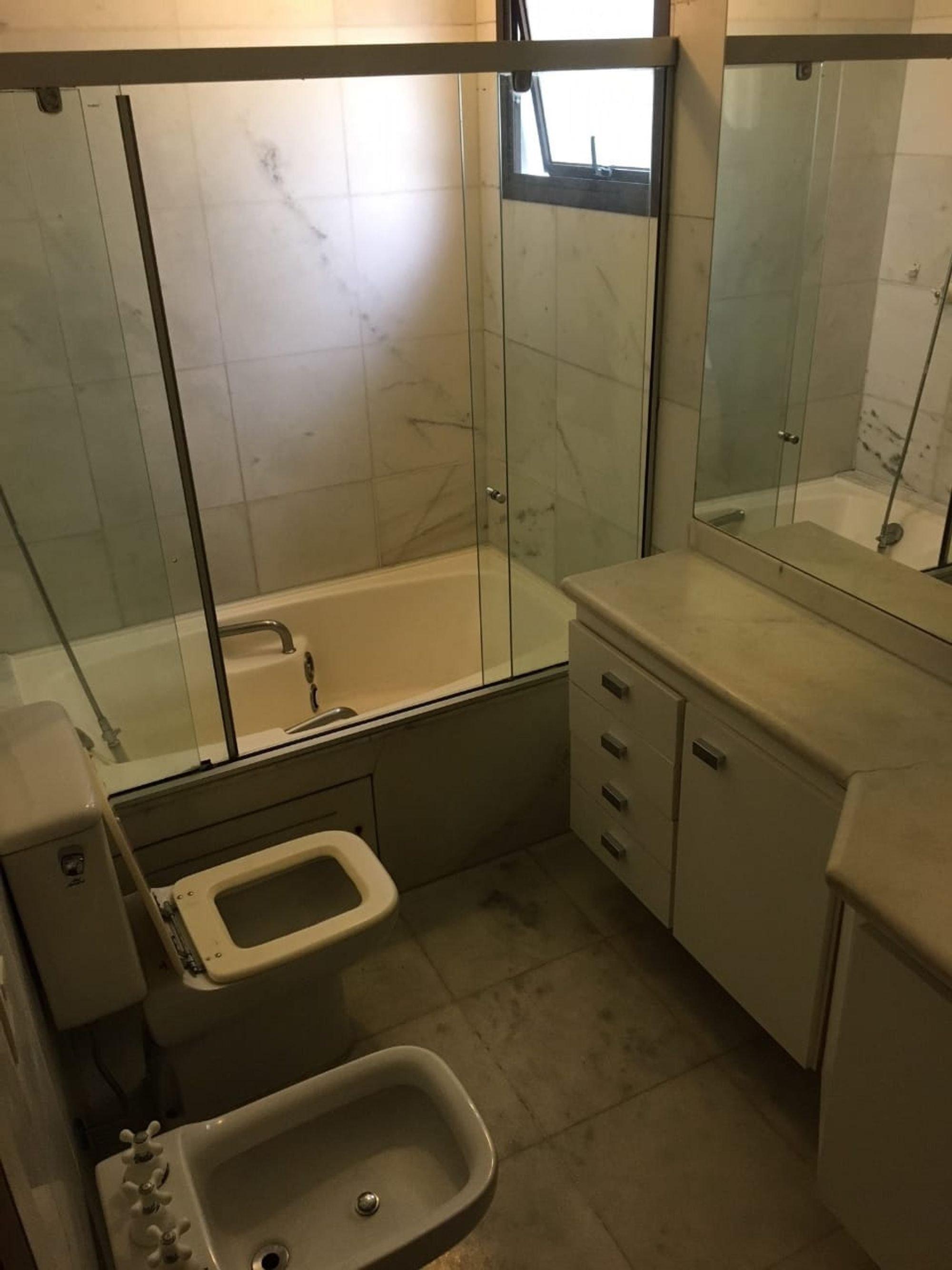 Foto de Banheiro com microondas