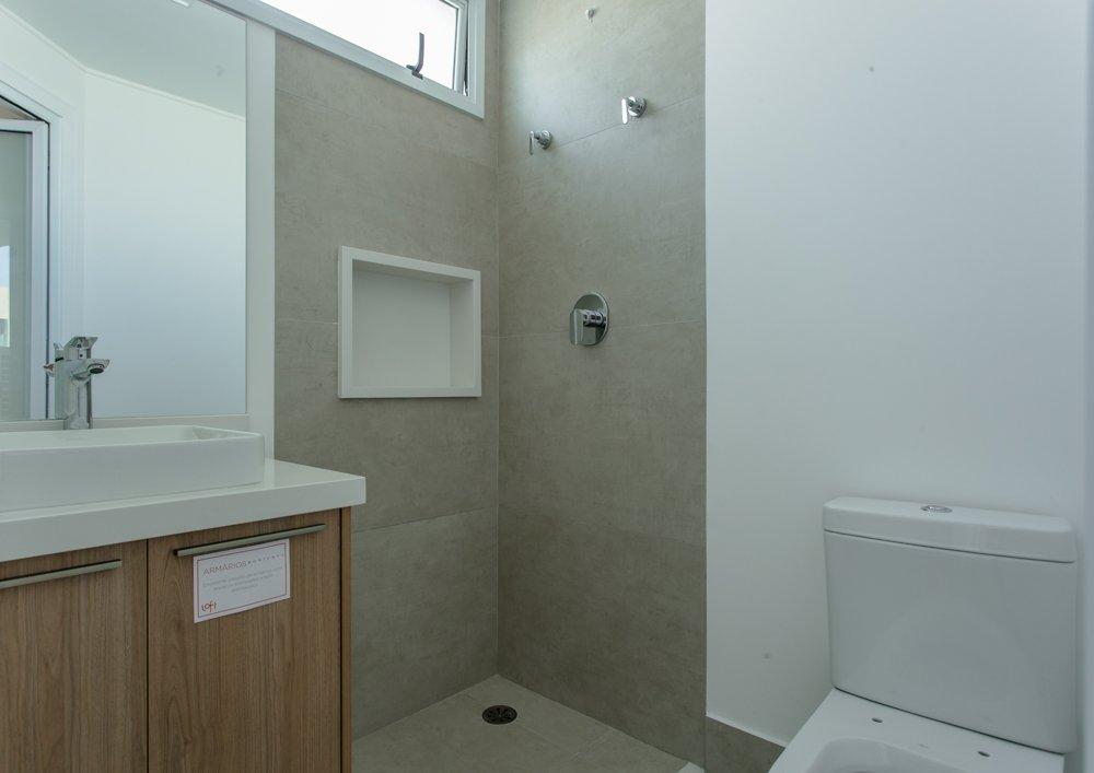 desktop_bathroom10.jpg