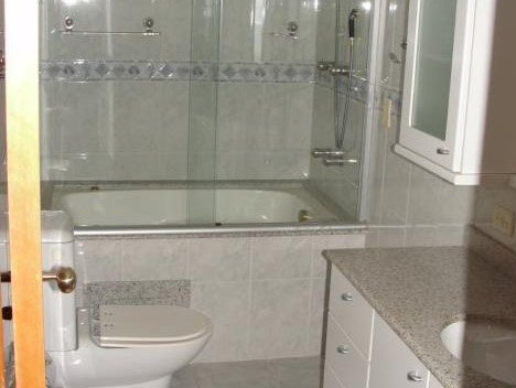 desktop_bathroom01.jpeg
