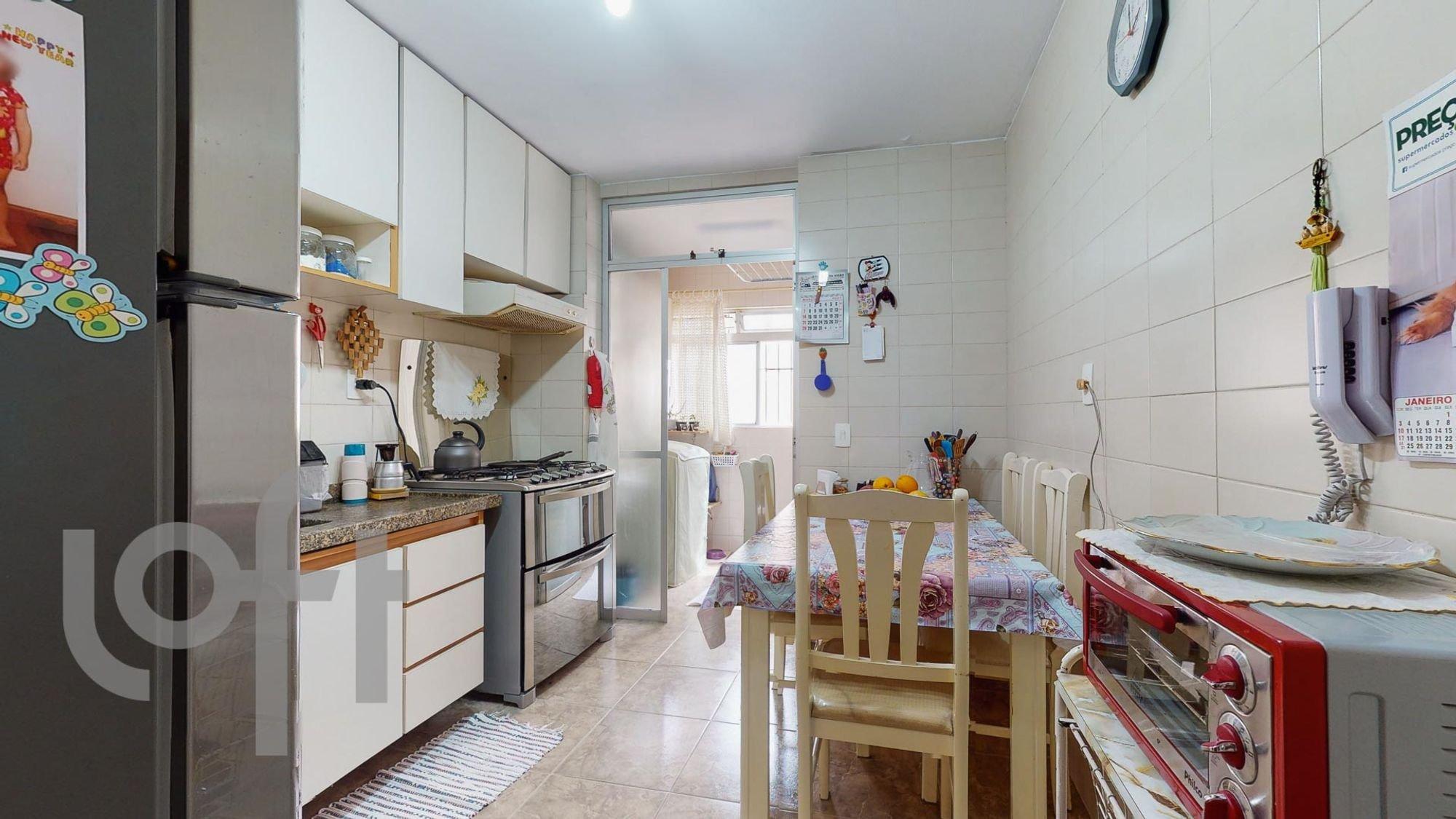 Foto de Cozinha com cama, forno