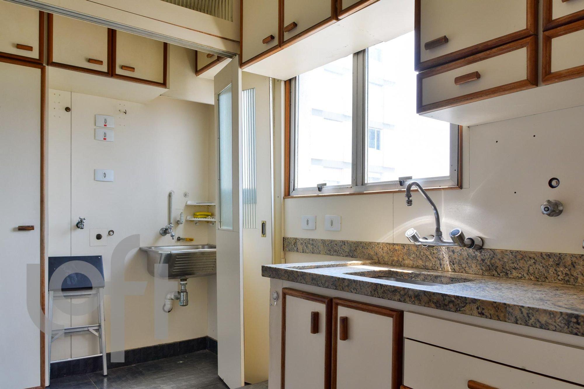 https://content.loft.com.br/homes/17qnxgm/desktop_kitchen02.jpg