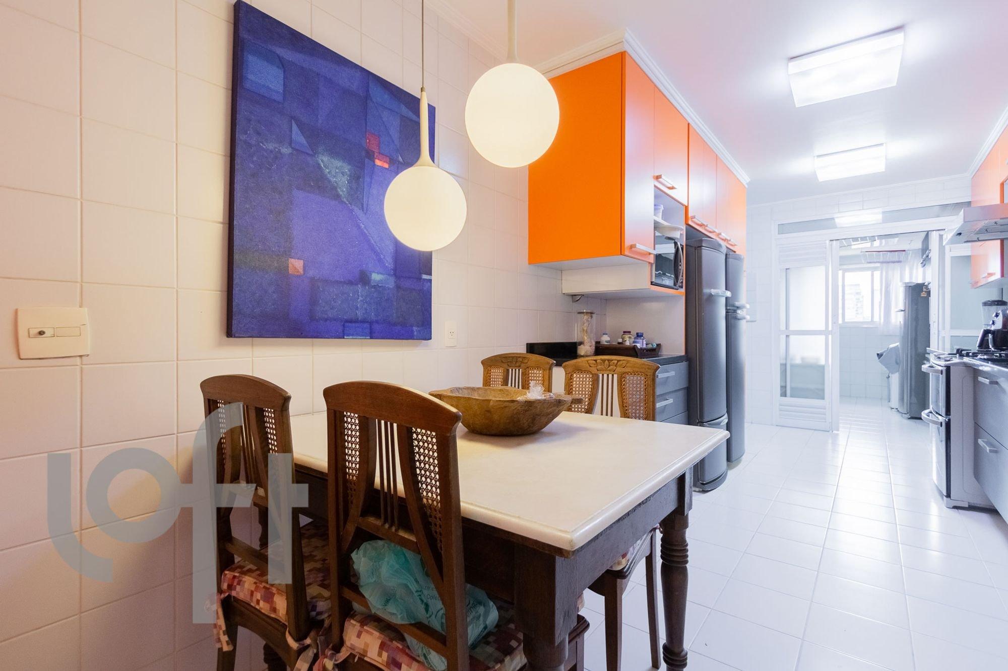Foto de Cozinha com tigela, cadeira, mesa de jantar