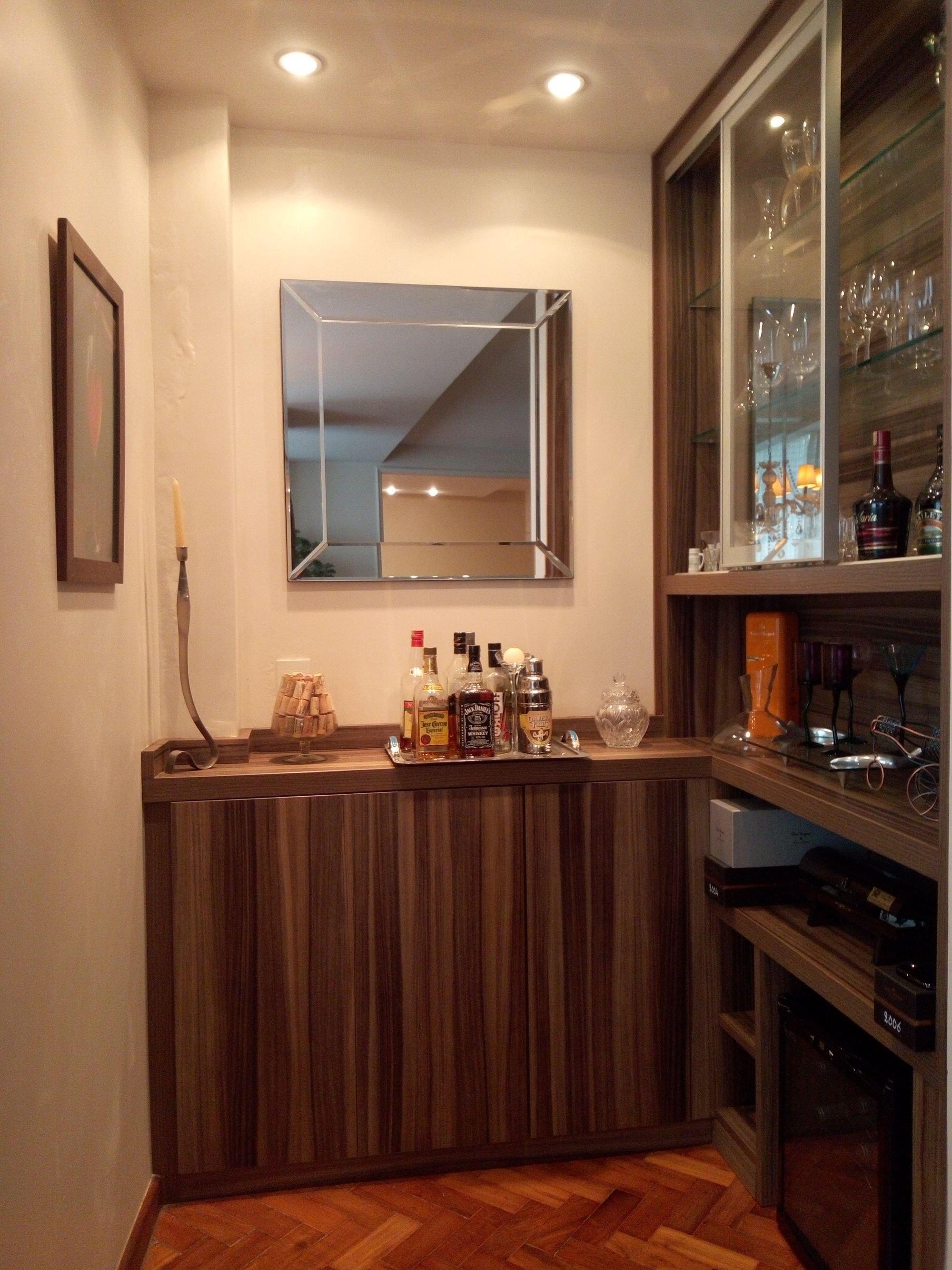 Foto de Cozinha com copo de vinho, garrafa