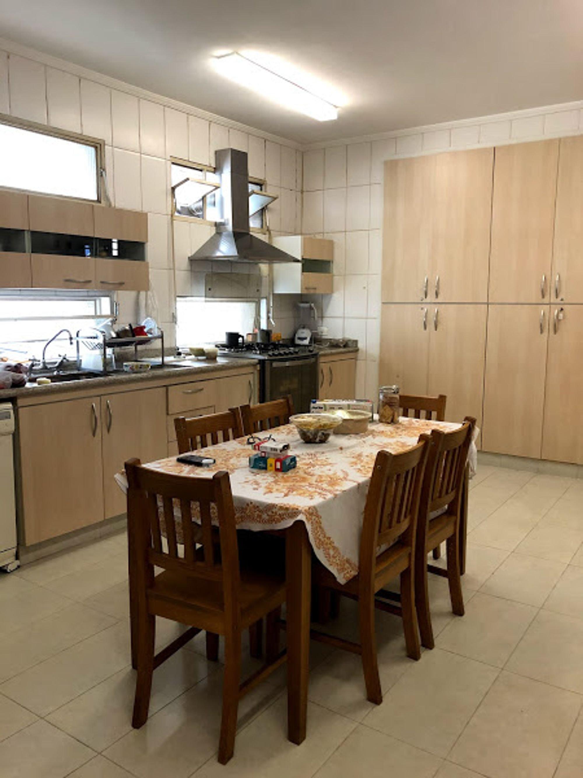 https://content.loft.com.br/homes/1bssfpy/desktop_kitchen03.jpg