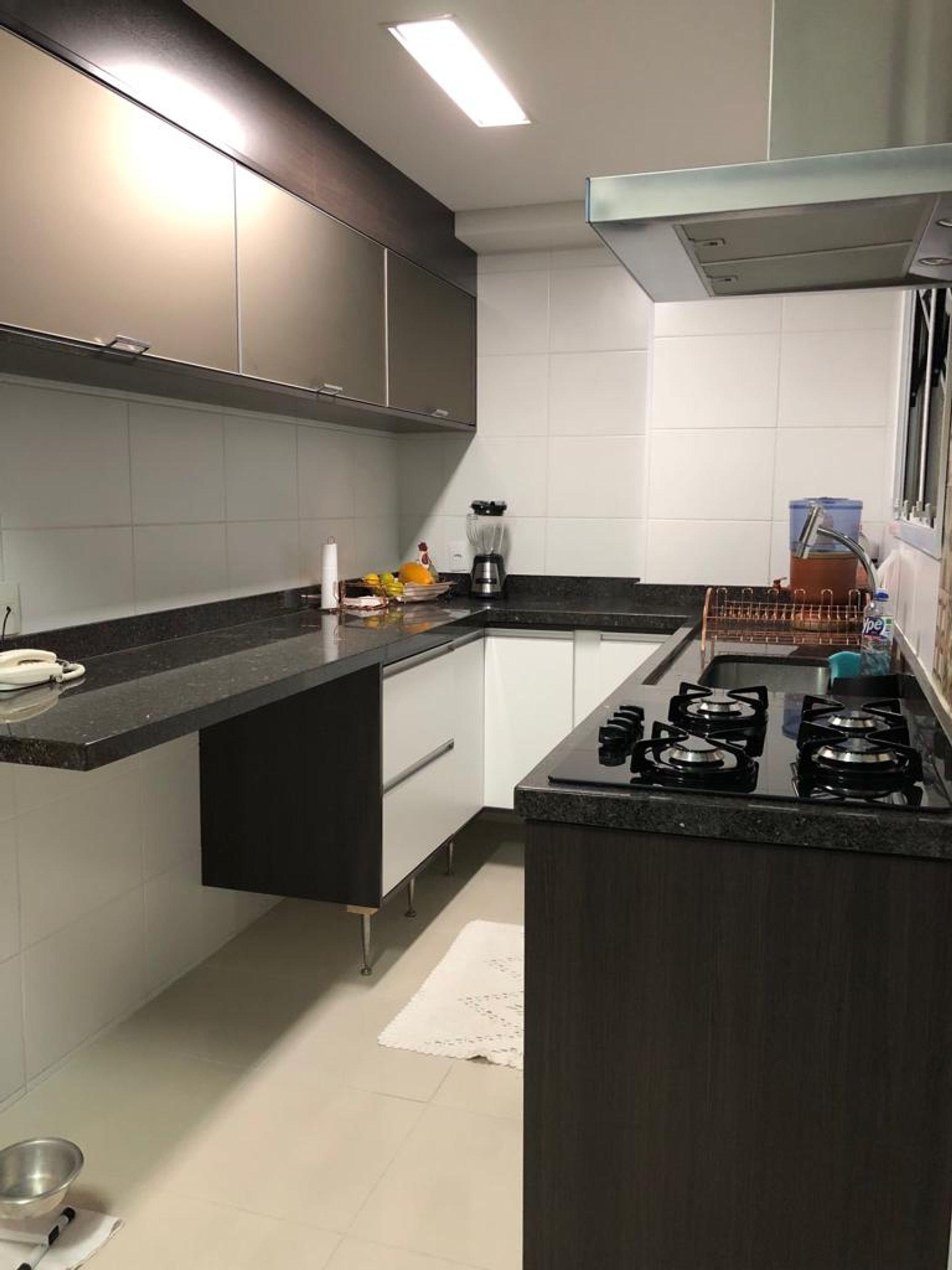 Foto de Cozinha com forno, tigela