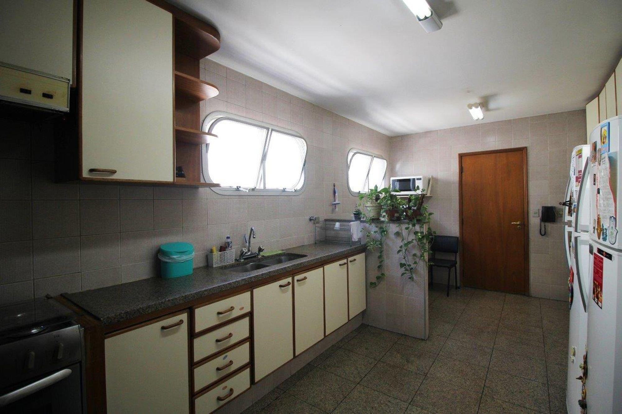 https://content.loft.com.br/homes/1ko8zcd/desktop_kitchen02.jpg