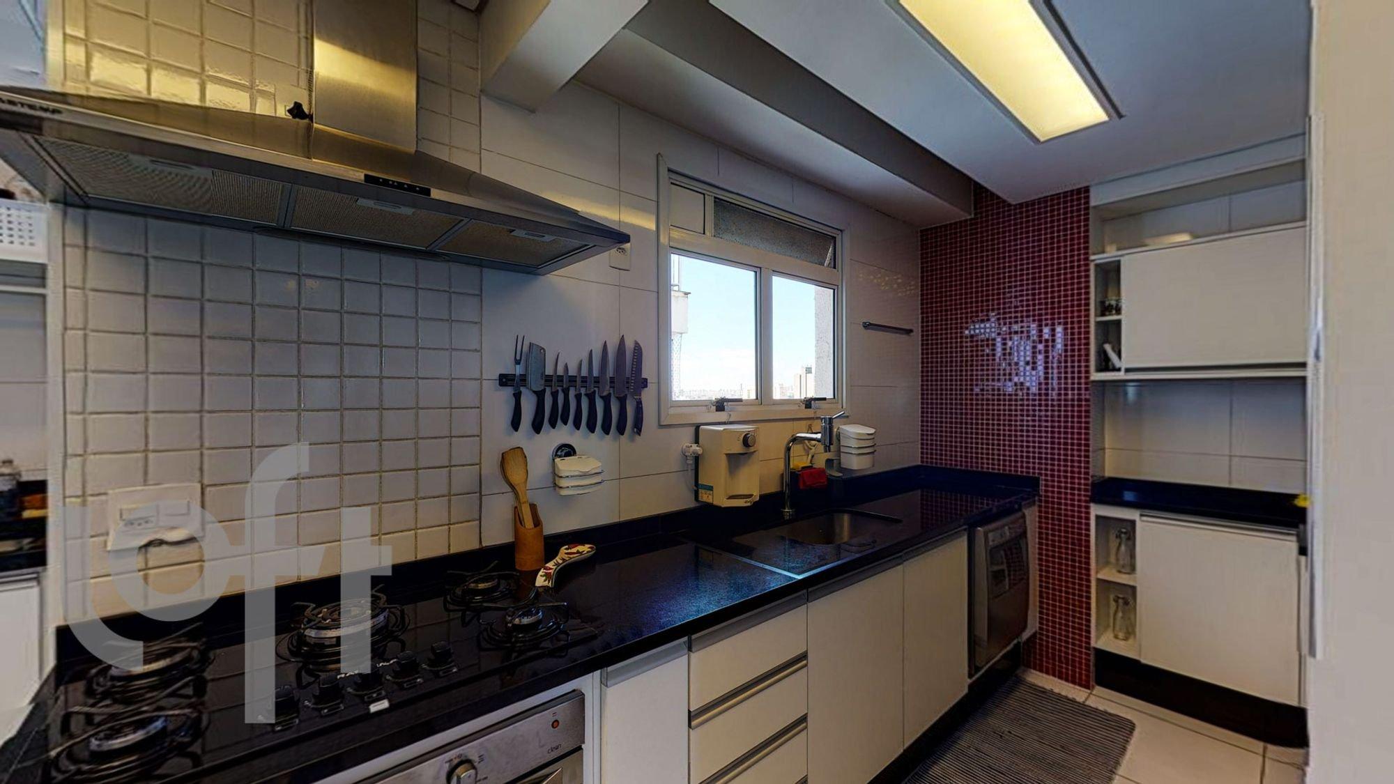 Foto de Cozinha com faca