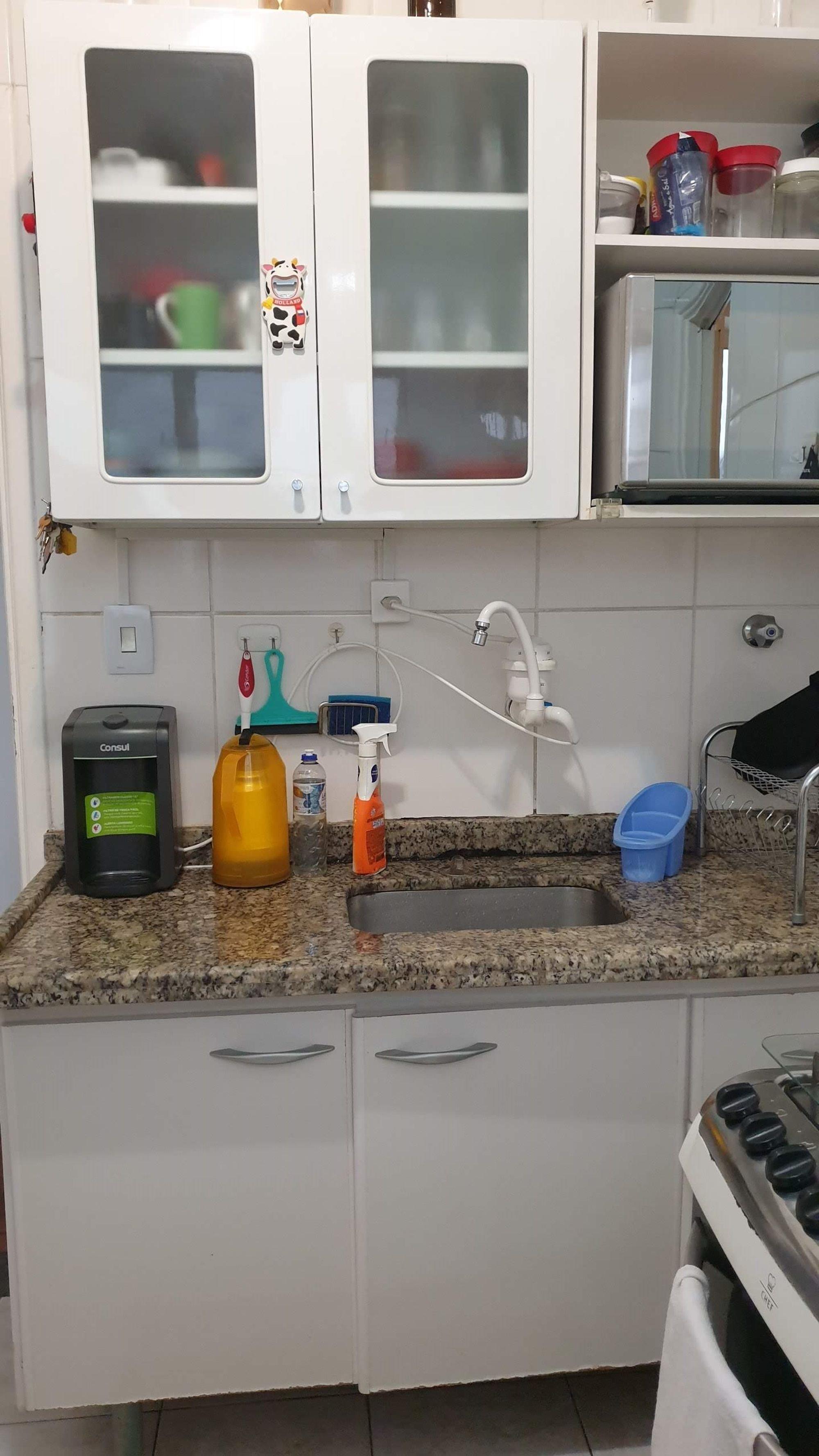 https://content.loft.com.br/homes/1pe0q4y/desktop_kitchen2.jpg