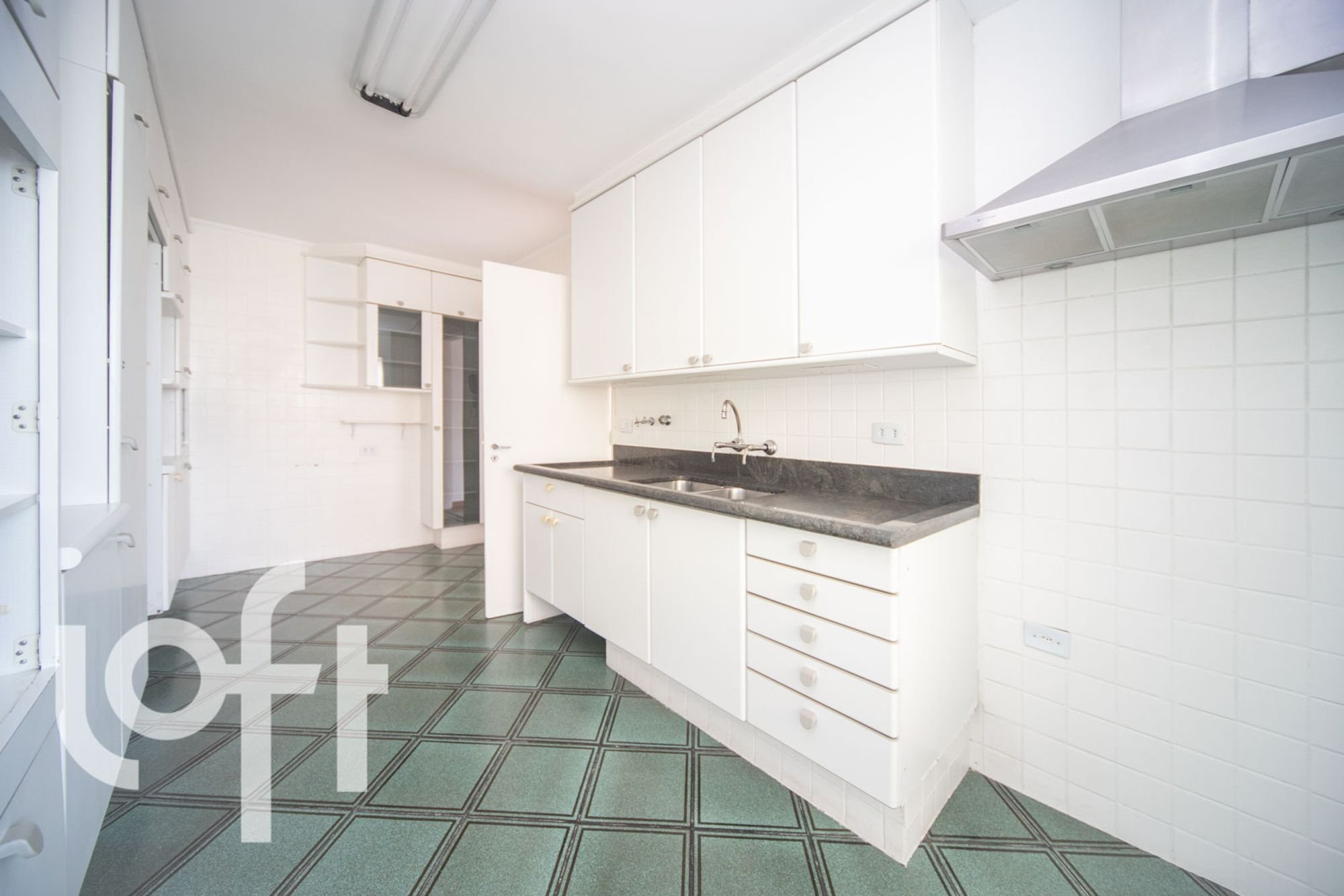 https://content.loft.com.br/homes/1pyhp4i/desktop_kitchen05.jpg
