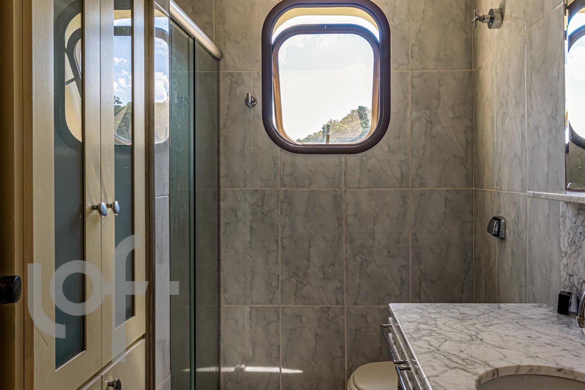 Foto de Banheiro com trem