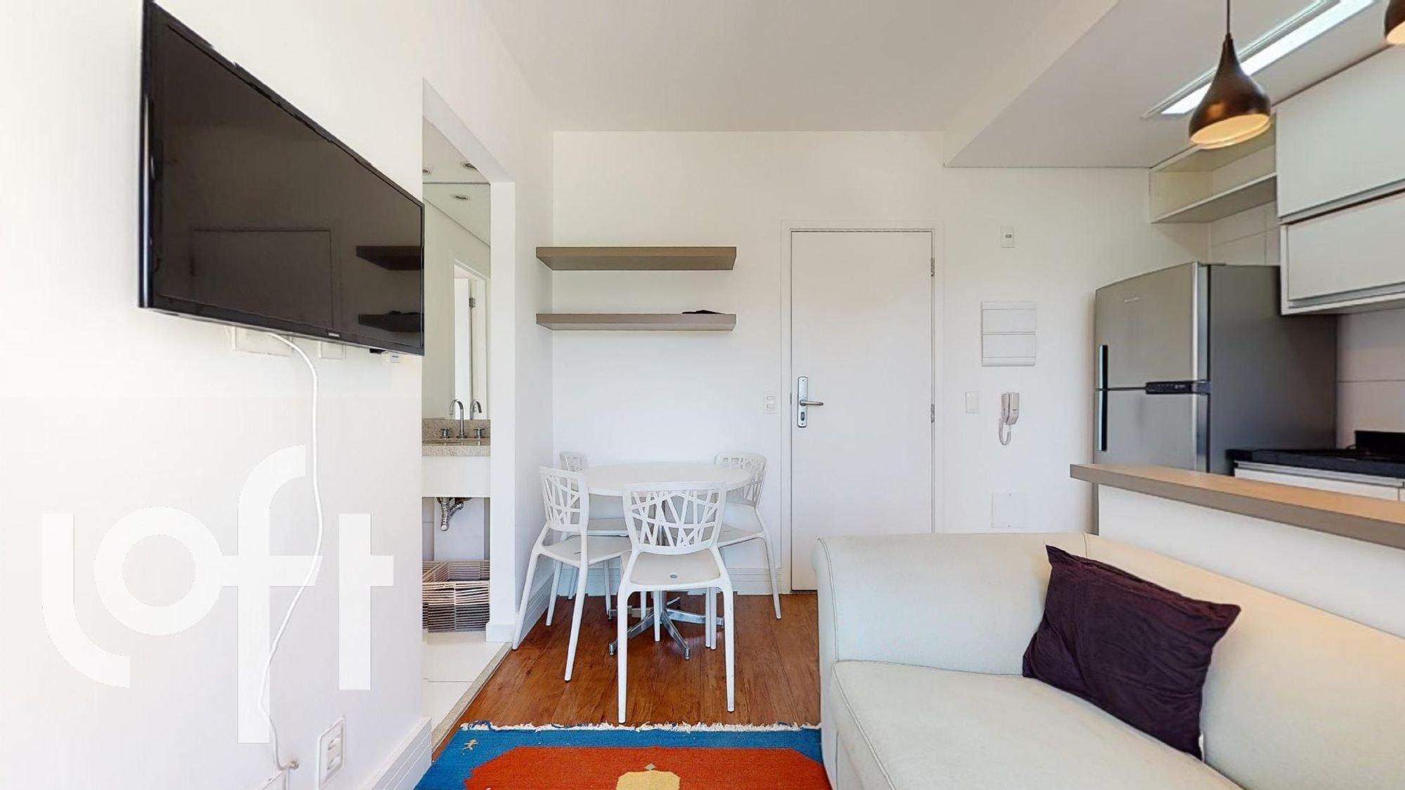 Foto de Cozinha com sofá, televisão, cadeira