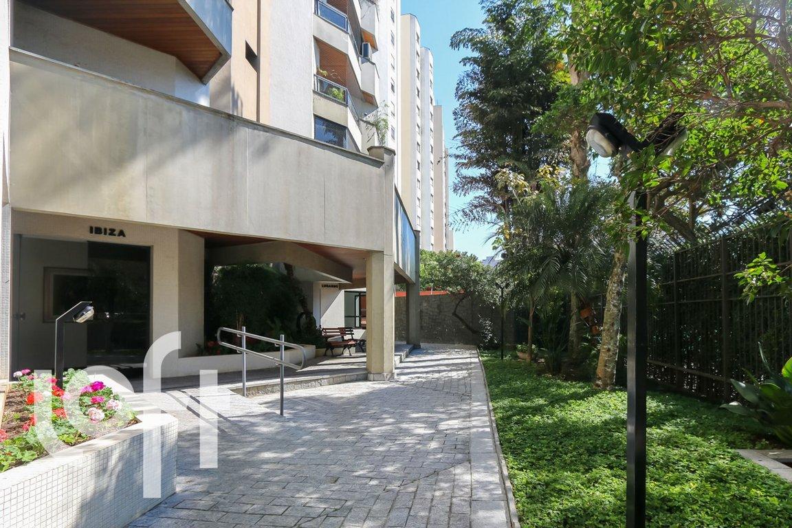 Fachada do Condomínio Lugarno Ibiza
