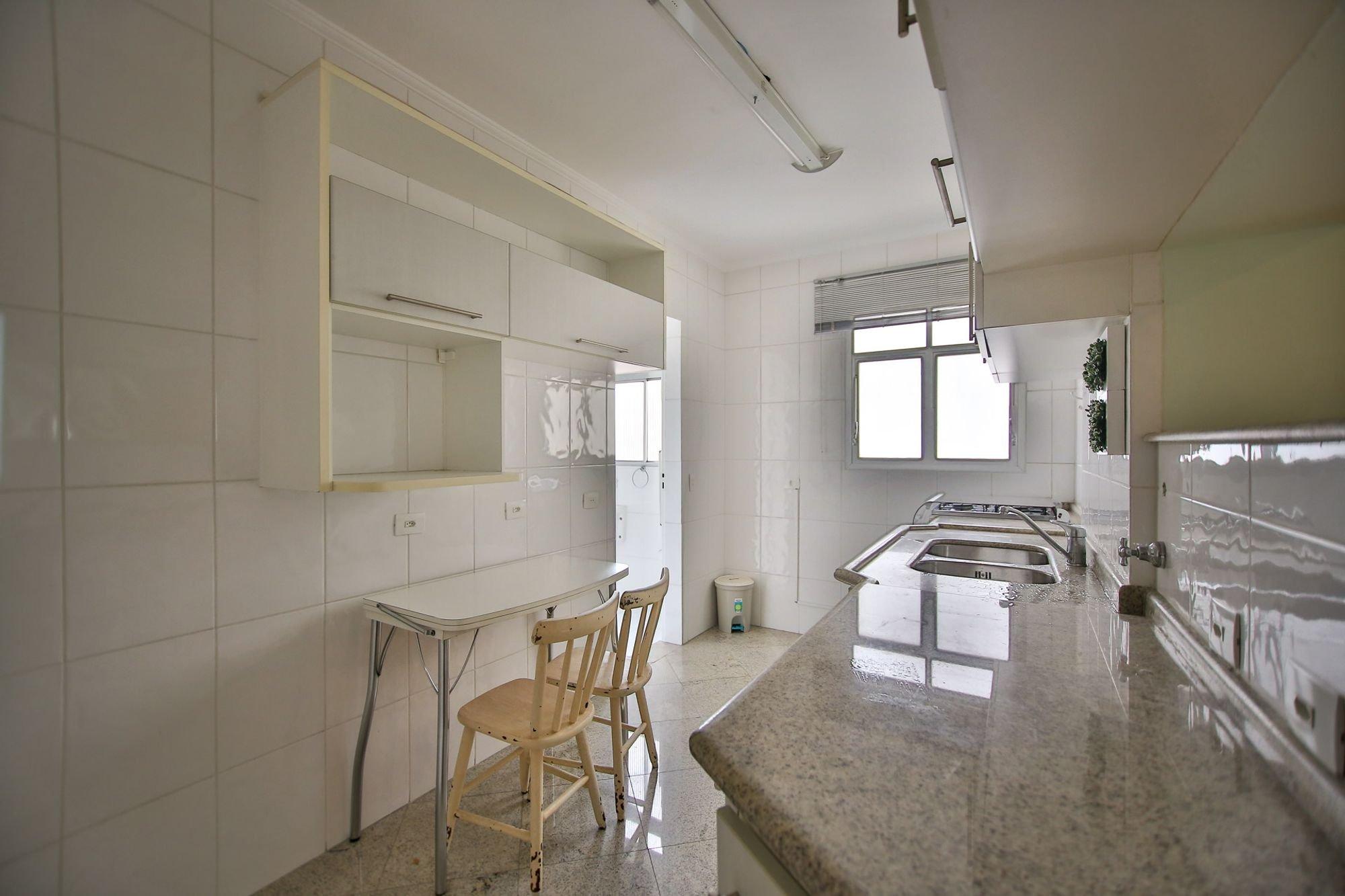 https://content.loft.com.br/homes/2bjxsh/desktop_kitchen05.jpg