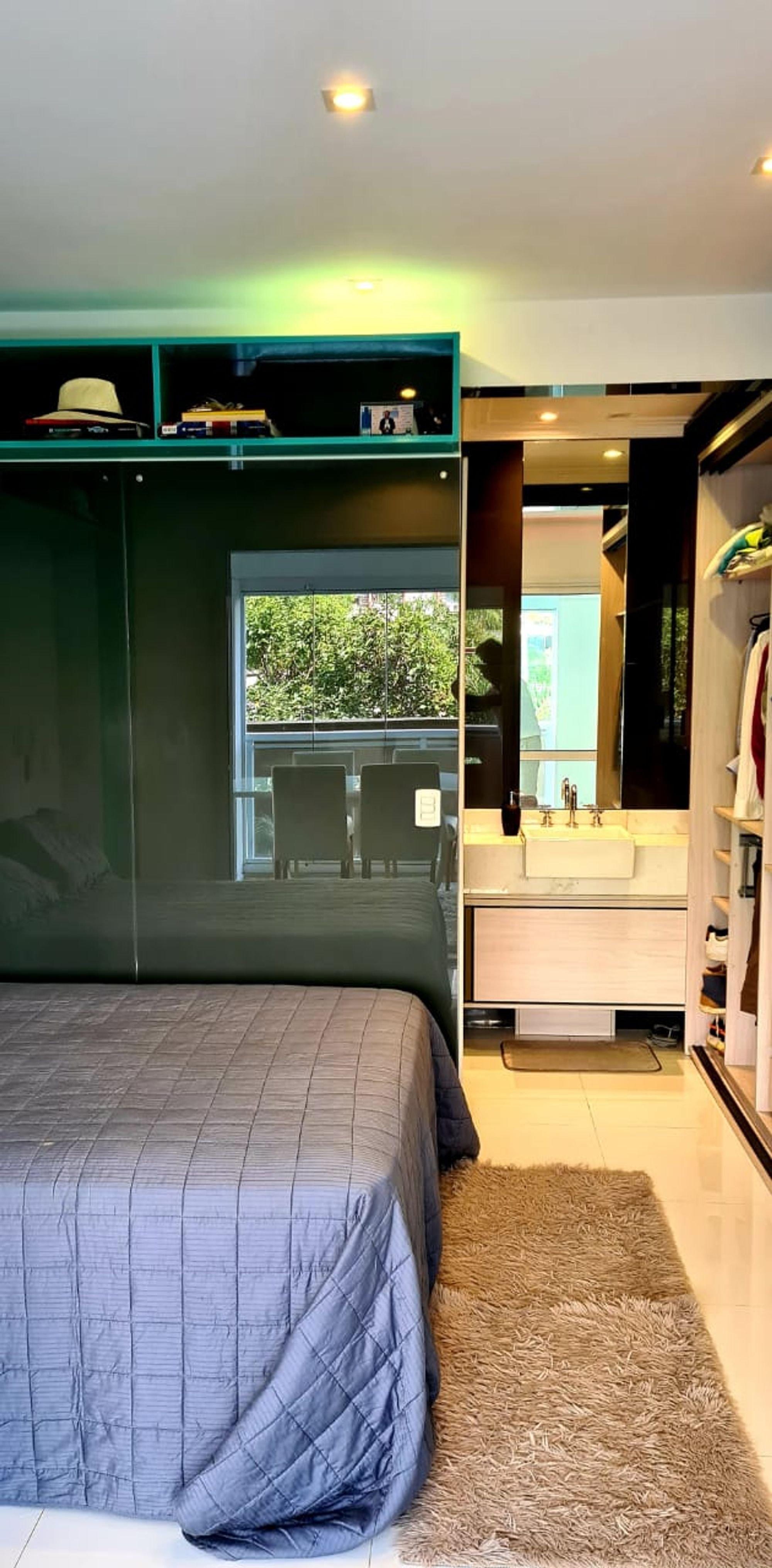 Foto de Sala com cama