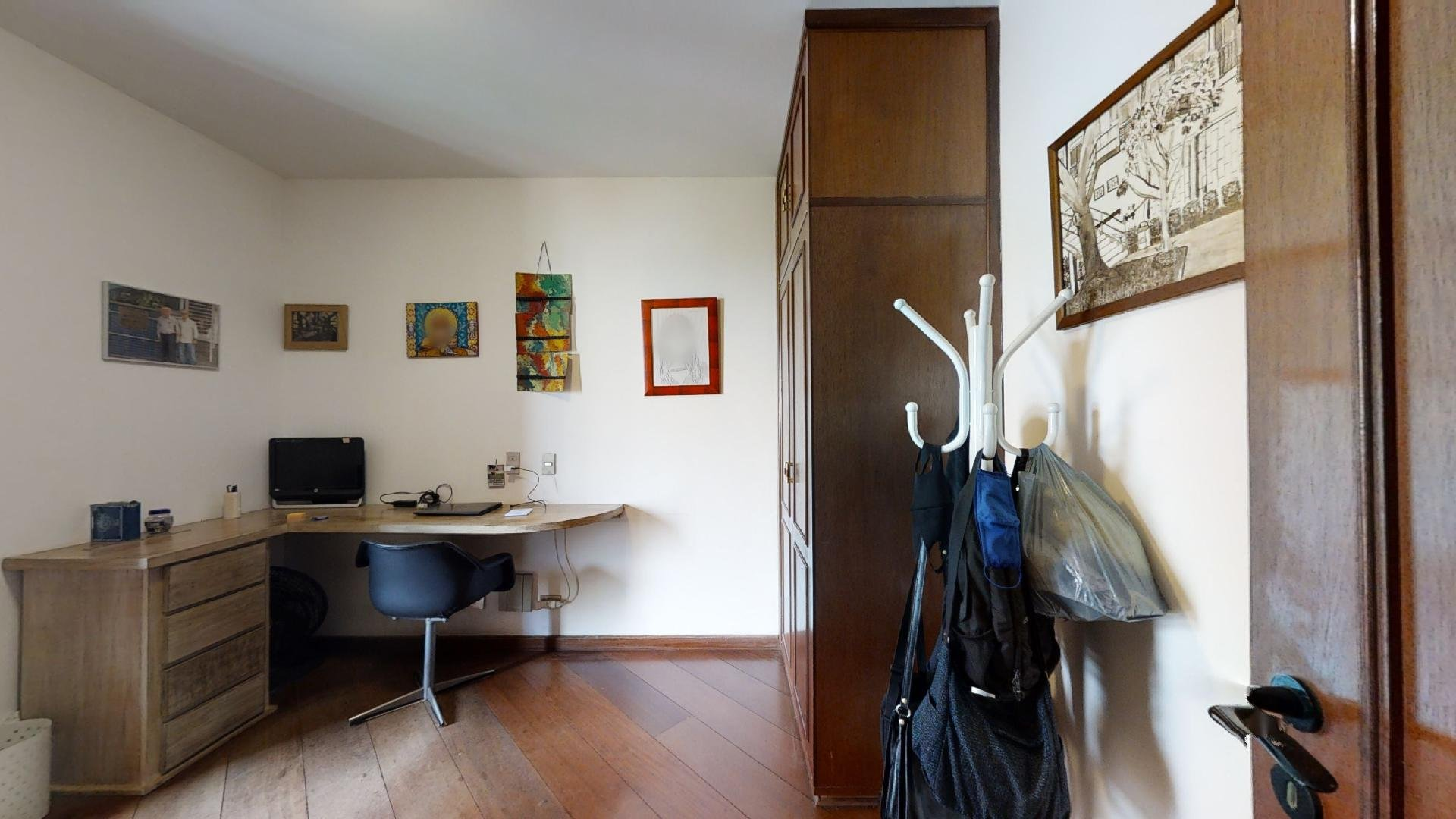 desktop_master_bedroom25.suite master (0)