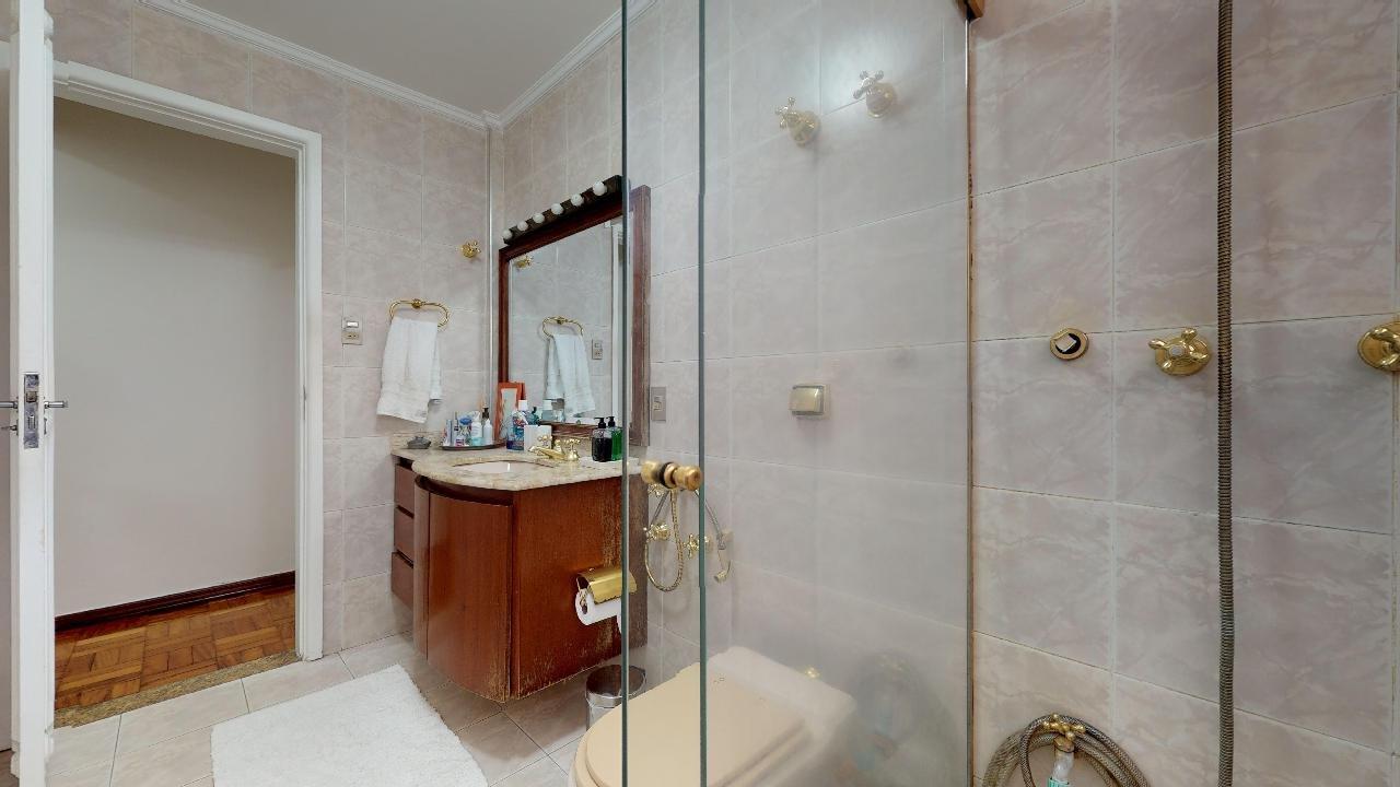 desktop_bathroom00.jpg