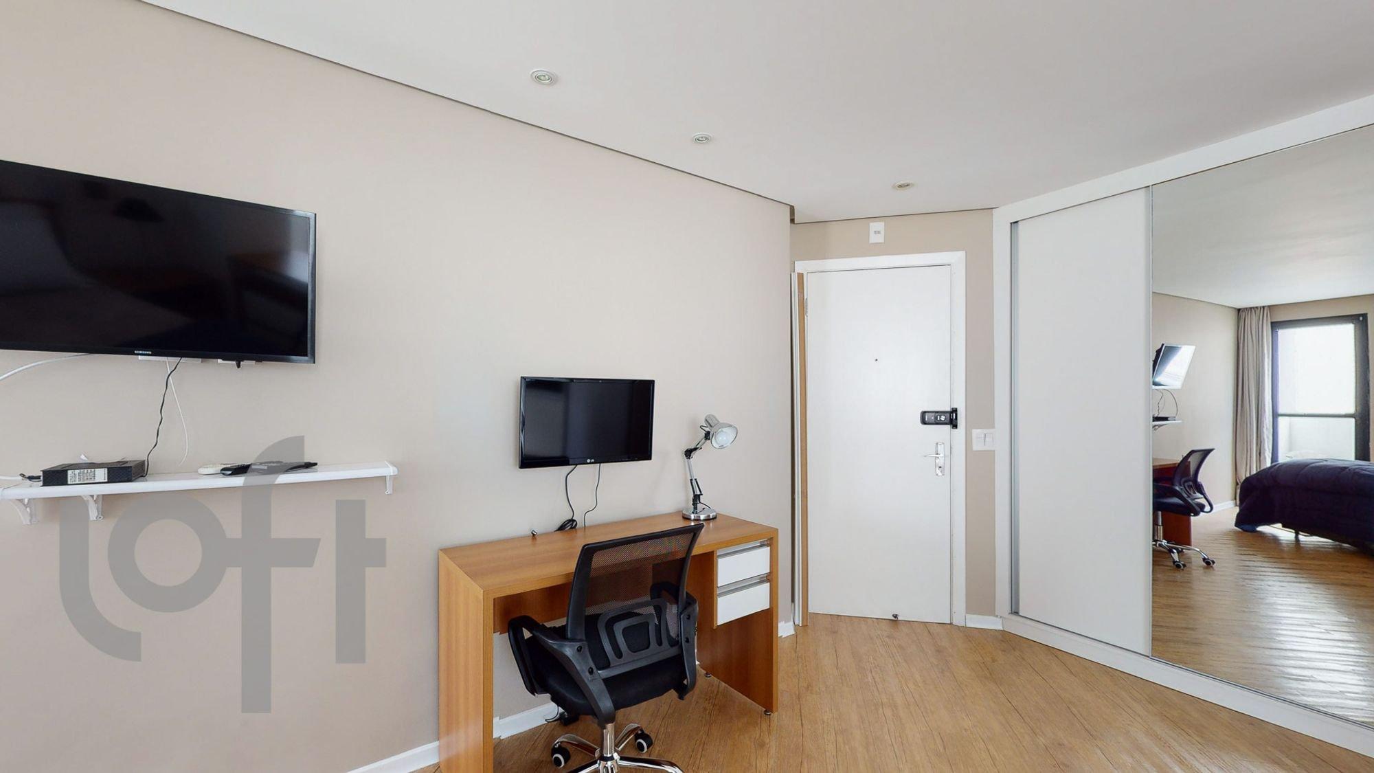 Foto de Sala com televisão, cadeira