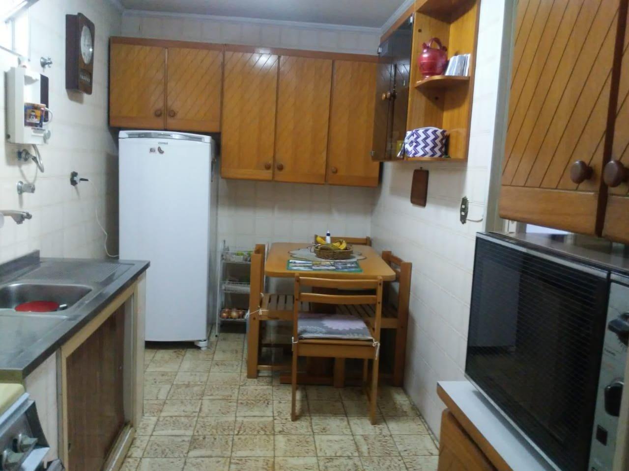 desktop_kitchen2.jpeg