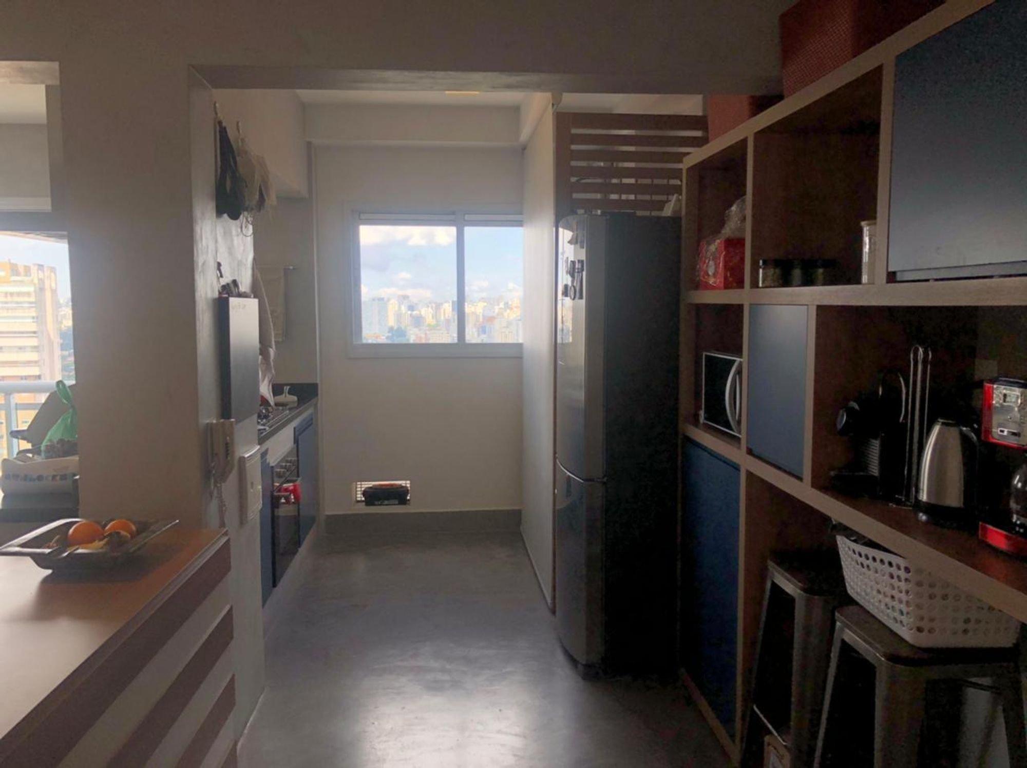 Foto de Cozinha com tigela, geladeira