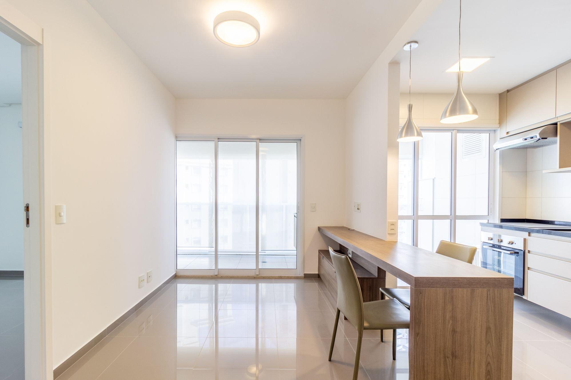 Foto de Cozinha com cadeira, mesa de jantar