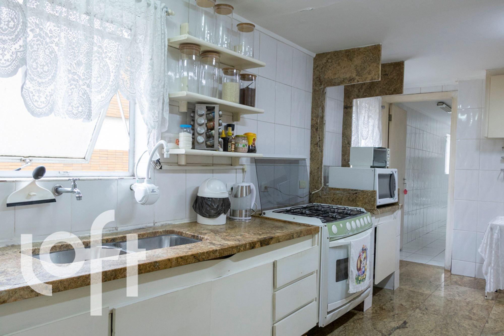desktop_kitchen020.jpg