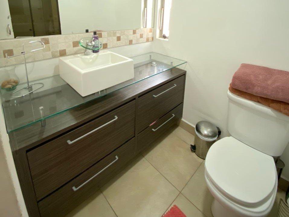 desktop_bathroom00.jpeg