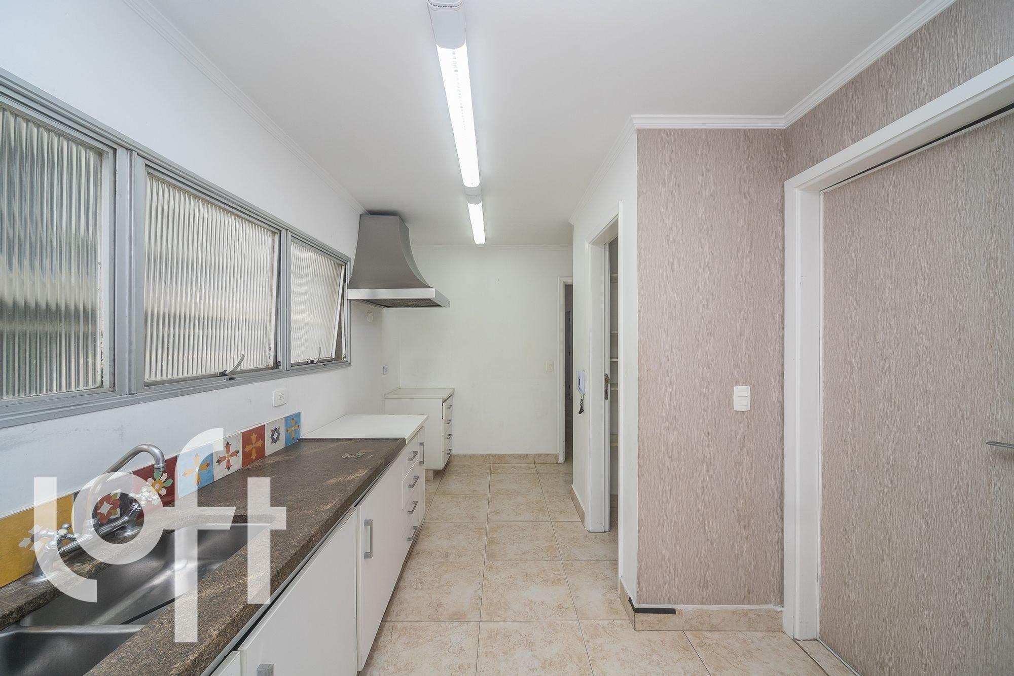 https://content.loft.com.br/homes/ufpjso/desktop_kitchen06.jpg