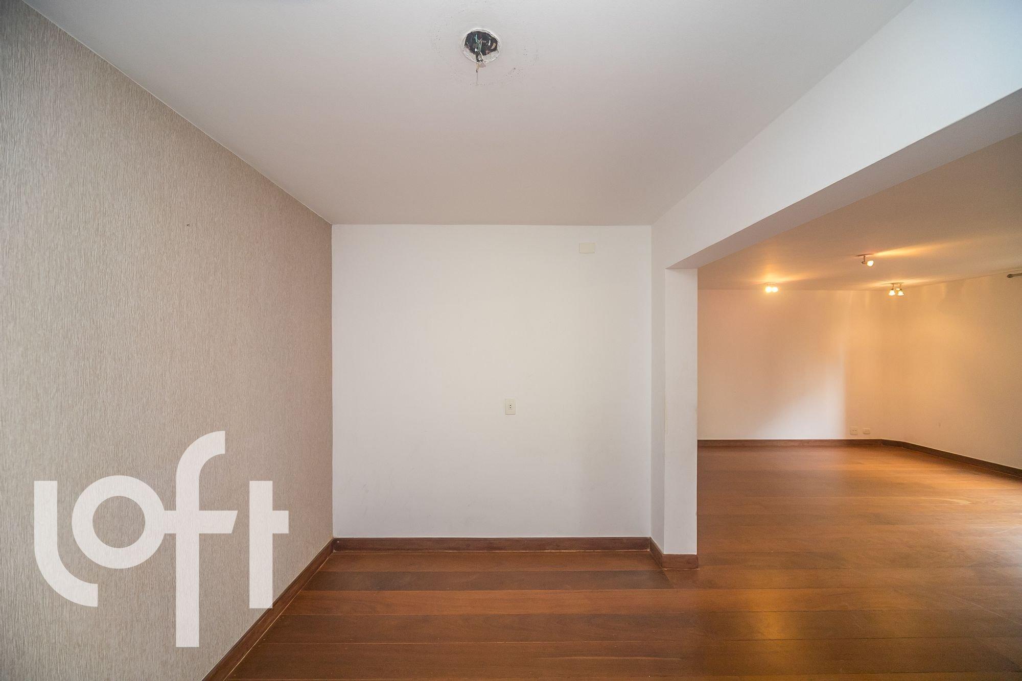 https://content.loft.com.br/homes/ufpjso/desktop_living18.jpg