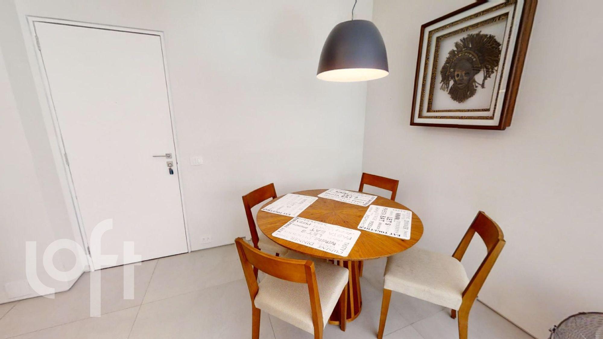 Foto de Hall com cadeira, mesa de jantar