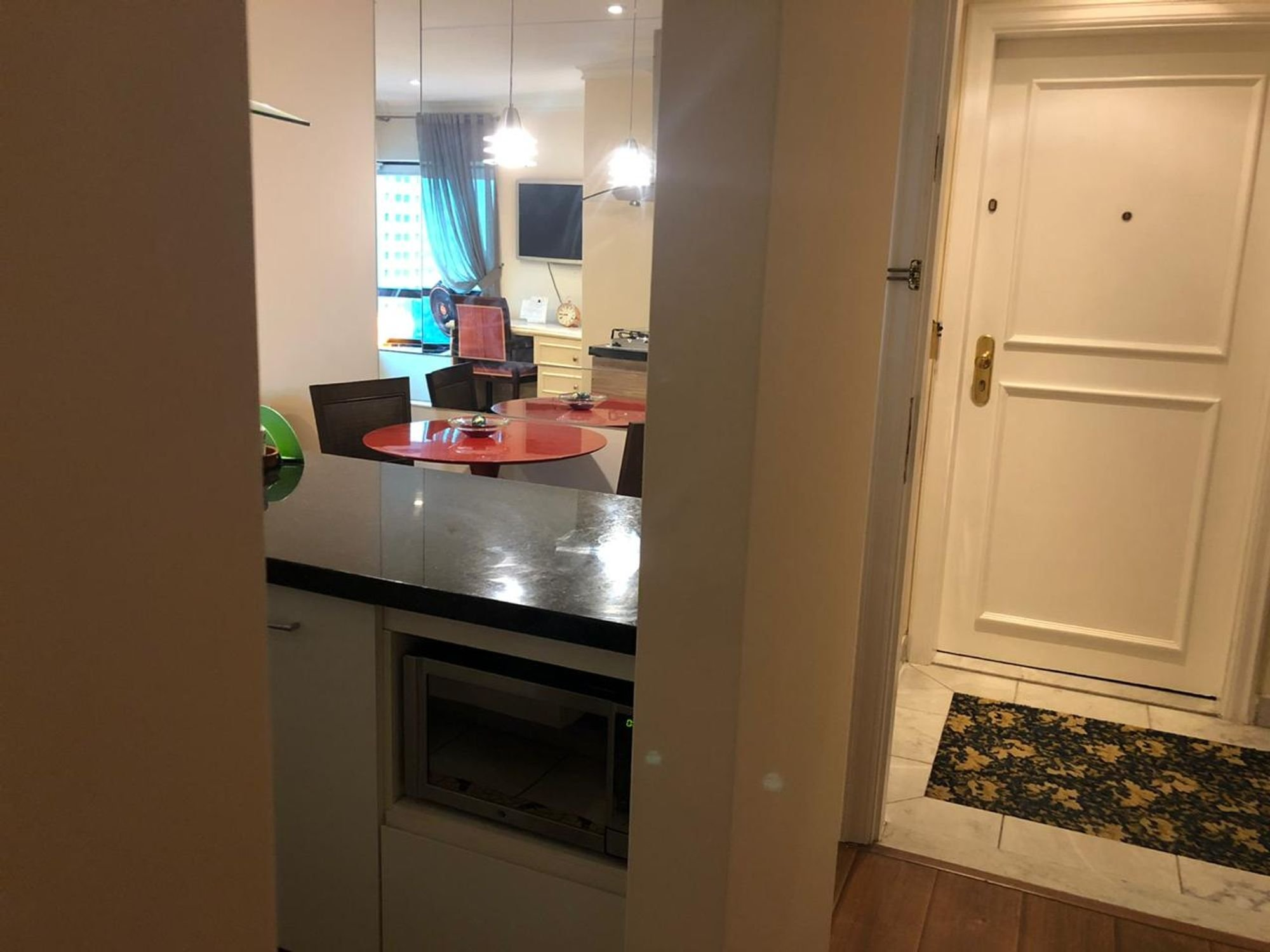https://content.loft.com.br/homes/y4oqa/desktop_kitchen08.jpg